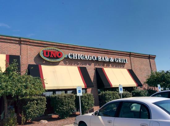 En el mes de diciembre del año abrió sus puertas en San Pedro Sula el primer restaurante de la cadena UNO en Honduras: UNO Chicago Grill.