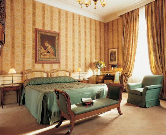Helvetia & Bristol Hotel