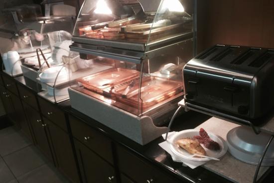 Holiday Inn Express-Fort Wayne East - Breakfast