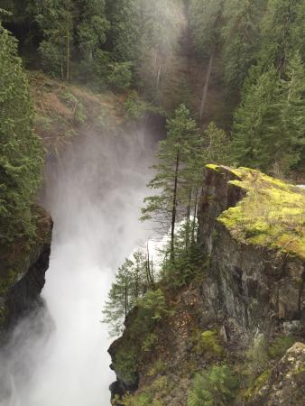 Campbell River, Canada: River was ragi