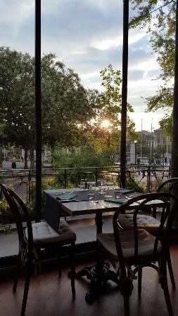 Cafe Restaurant du Parc des Bastions: Café Restaurant du Parc des Bastions