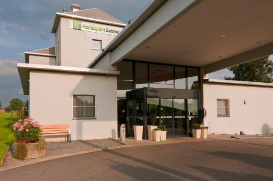 Holiday Inn Express Luzern: Come in...