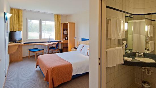 Holiday Inn Express Luzern: Guest Room
