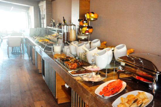 breakfast buffet at the roof terrace picture of alkoclar rh tripadvisor com