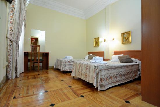 Hospedaje Romero : Habitación doble con baño privado