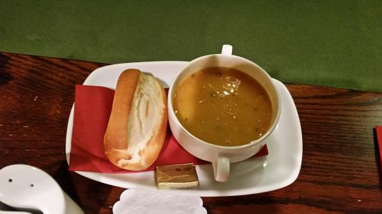 Moorings Hotel Restaurant: Soup and a roll
