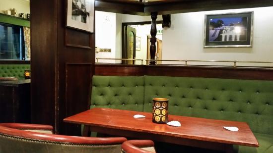 Moorings Hotel Restaurant: Bar