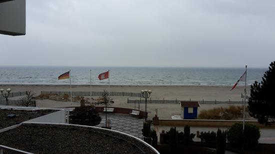 Hotel Strandidyll: Aussicht zur Promenade mit Strand