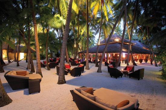 Baros Maldives: Sails Bar and Palm Garden