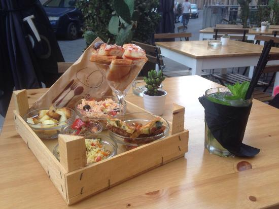 Photo of Restaurant Tinkite at Via Della Giudecca, 61-63, Syracuse 96100, Italy