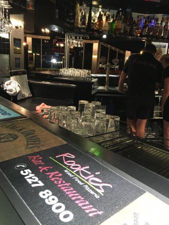 Rookies Pizzeria Bar & Grill