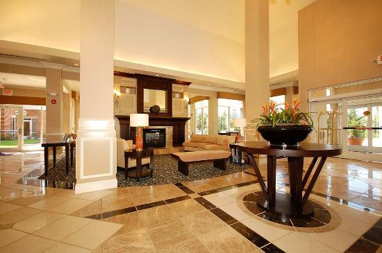 Hilton Garden Inn Lynchburg: Lobby Area