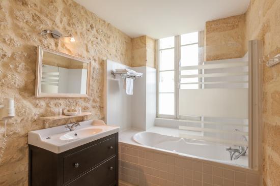 chateau fleur de roques puisseguin frankrijk foto 39 s reviews en prijsvergelijking tripadvisor. Black Bedroom Furniture Sets. Home Design Ideas