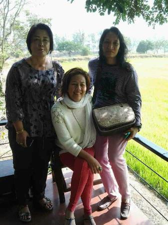 Baan Suan Mae La Ka Rong: มาเลี้ยงรุ่นที่ บ้านสวนแม่ลาการ้อง
