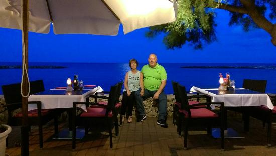 Hotel Moreyo: Around the harbour.