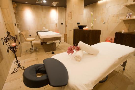Solun Hotel Spa Massage Room