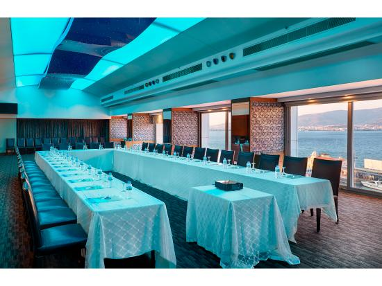 Kordon Hotel Pasaport: Kordon Otel Pasaport - Roof Salonu
