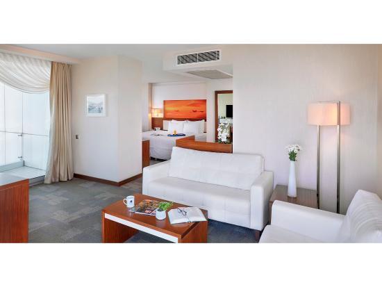 Kordon Hotel Pasaport: Kordon Otel Pasaport - Süit