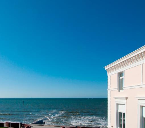 Strandhotel Georgshöhe: Direkt an der Promenade