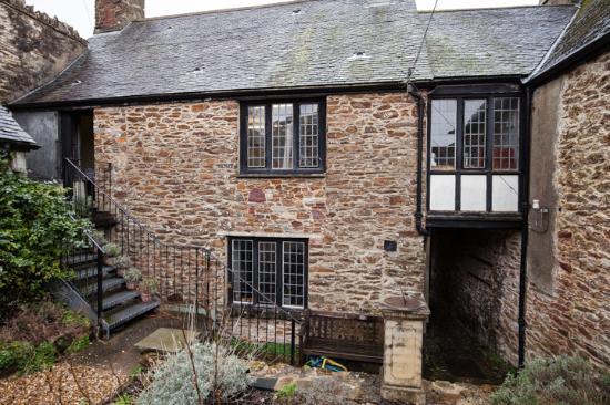 Totnes Elizabethan House Museum