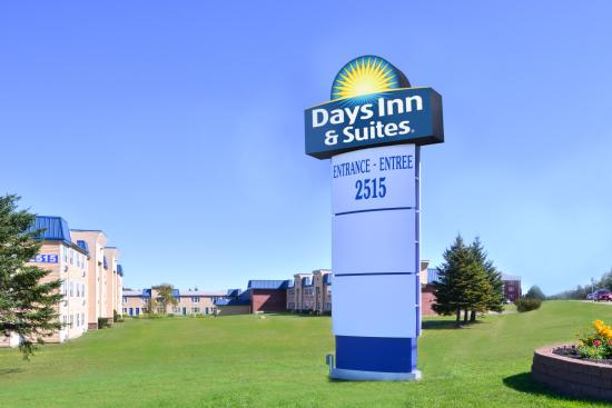 Days Inn & Suites Moncton: Welcome to Days Inn & Suites - Moncton