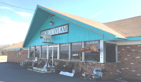 Ruckersville, VA: The Wooly Lam Antiques and Gifts