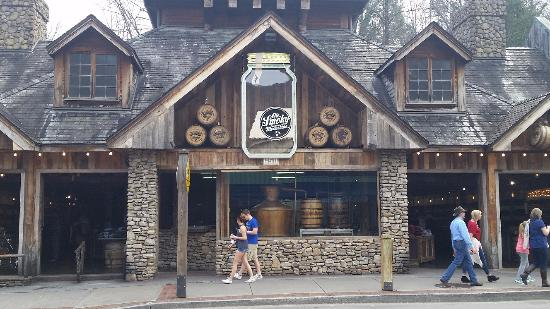Ole Smoky Whiskey Barrelhouse