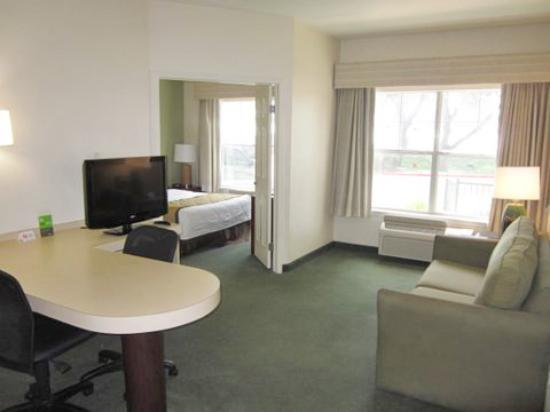 Extended Stay America - Austin - North Central: 1 Bedroom Suite - 1 King Bed