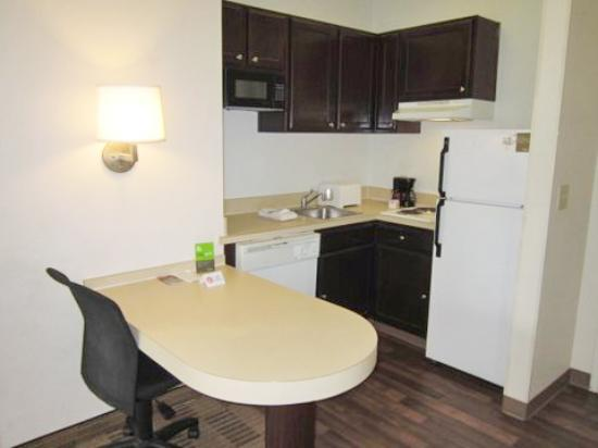 Extended Stay America - Austin - North Central: Fully Equipped Kitchens