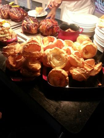 Toby Carvery Peterborough: Just a few Yorkshires. Take your pick.
