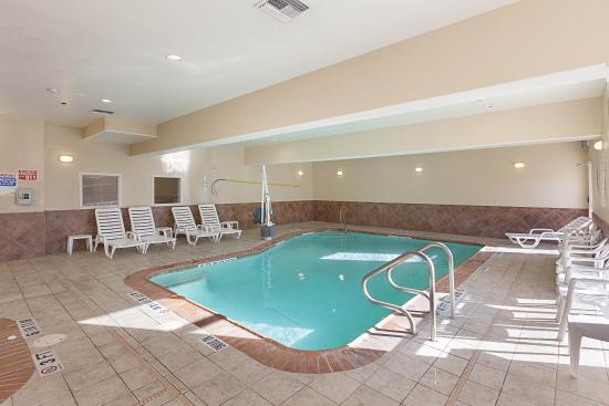 Comfort Suites San Antonio NW Near Six Flags: Pool