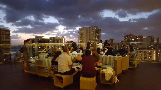 Sky Waikiki: 20160310_190703_large.jpg