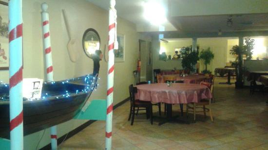 Vincent's Italian Restaurant: 20160311_124715_large.jpg