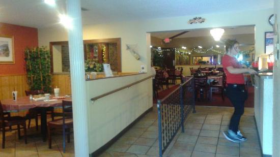 Vincent's Italian Restaurant: 20160311_124647_large.jpg