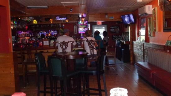 Barracudas Bar & Restaurant
