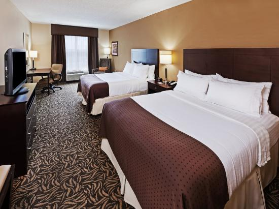 Holiday Inn Ardmore I-35 : Inviting Two Queen Guest Room