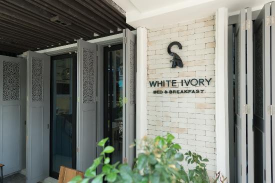 White Ivory Bed & Breakfast