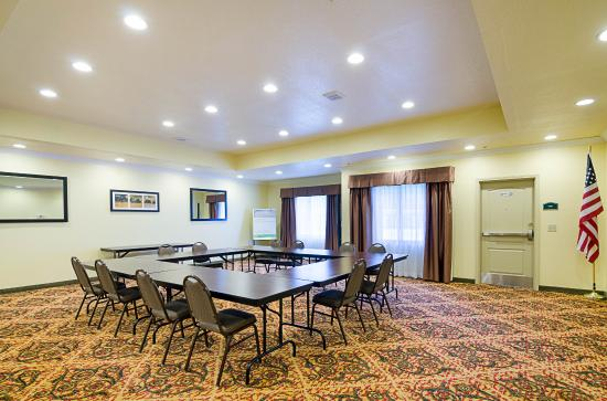 Comfort Inn & Suites Orange: Meeting room