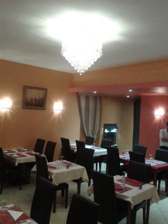 Lustre Plafond Magnifique Picture Of Restaurant Le Jasmin Beziers