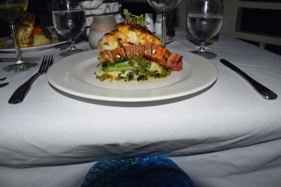 Marguerite's: Drunken lobster