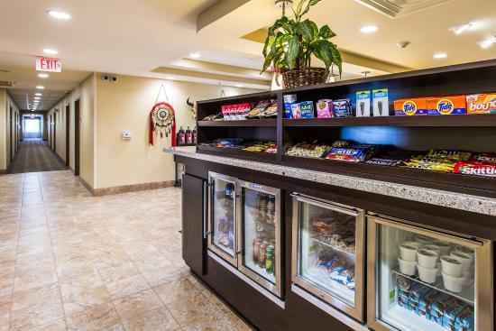 MainStay Suites Rapid City: Marketplace