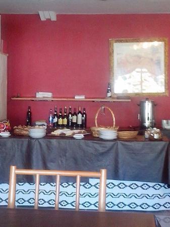 Paradiso- Resort & Eventos : Desayuno y televisión de la habitación
