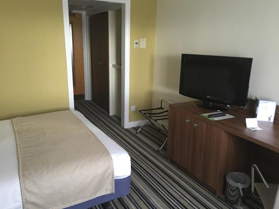 Holiday Inn Taunton M5, Jct. 25: Room 37 all freshly painted and well presented
