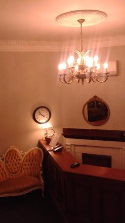 Hotel Ambrose: Recepção