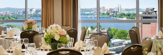 Wyndham Boston Beacon Hill: Banquet Setup - Rounds