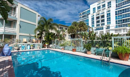 Manhattan Tower Apartment Hotel: Manhattan Tower FL Pool