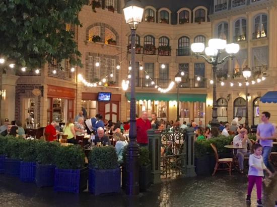 Le Cafe Ile St Louis At Paris Hotel