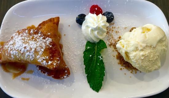 Fish Restaurant + Bar: Love the desserts