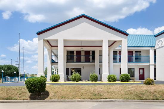 Econo Lodge: Exterior