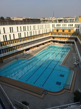 Hotel molitor la piscine ext rieure le hall d 39 accueil for Bar la piscine paris 18